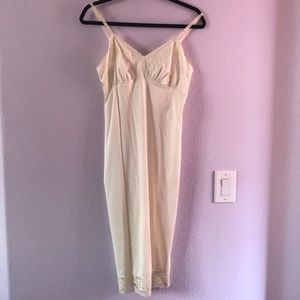 Vintage cream slip/night gown